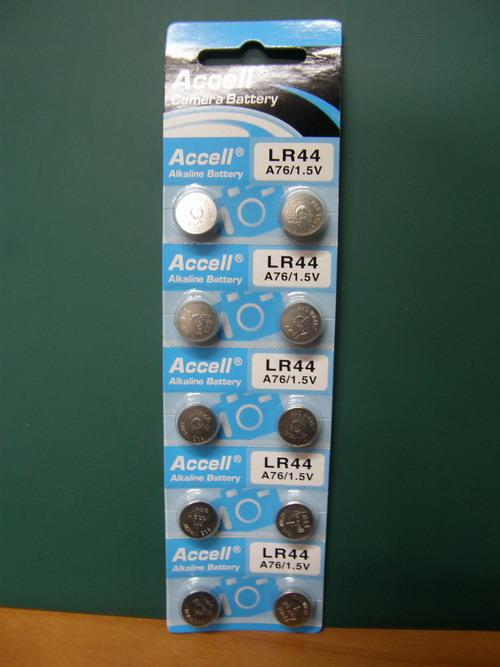 ถ่านกระดุมอัลคาลายน์ 1.5 V (LR44)