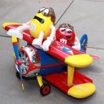 M&M สองหนุ่มขับเครื่องบิน