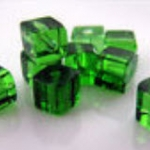 ลูกปัดลูกเต๋าใส 4x4 ม.ม. สีเขียว / 200 เม็ด