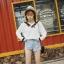 เสื้อแฟชั่นเกาหลี คอวีแขนยาว แต่งปลายแขน สีขาว